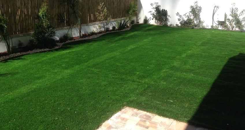 הקמת גינה ודשא סינטטי