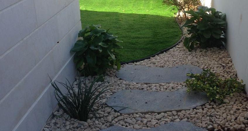 מסלעות ואבני מדרך לגינה