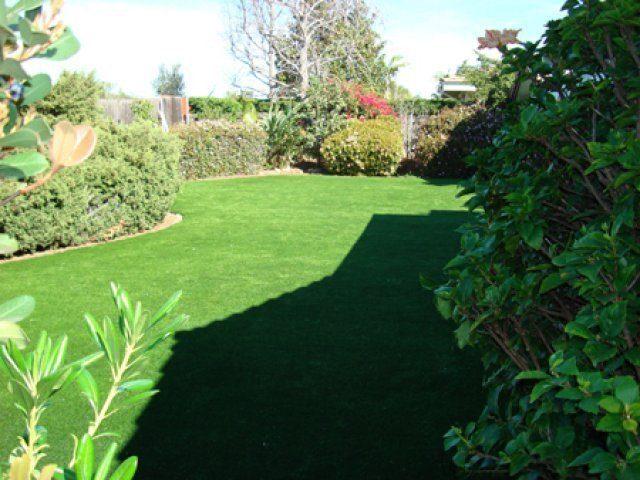 דשא סינטטי לגינות