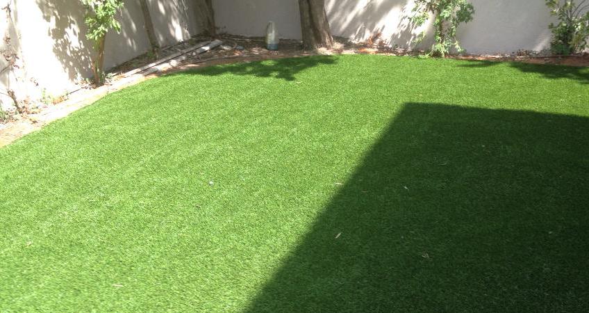 דשא-סינטטי-וטכנולוגיה